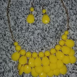 Yellow necklace earing set